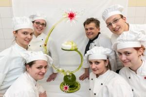Großes Zuckerschaustück Acht Konditoren stellen ein kleines Kunstwerk her